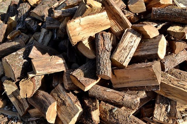b chette de bois compress un combustible de qualit au meilleur prix. Black Bedroom Furniture Sets. Home Design Ideas